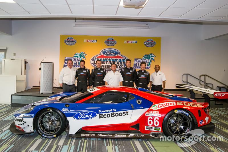 Chip Ganassi Racing Ford GTLM drivers для IMSA та Le Mans: Дірк Мюллер, Джоі Хенд, Річард Вестбрук та Райан Бріско з Dave Pericak та Raj Nair from Ford, та Chip Ganassi
