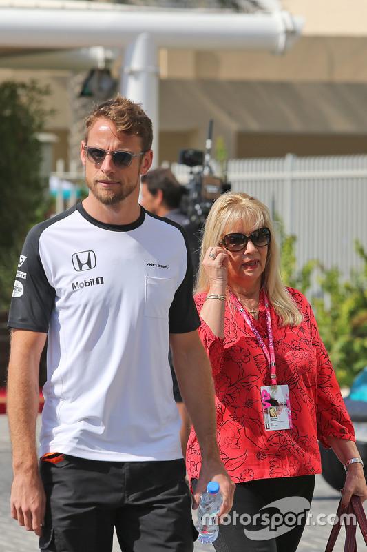Jenson Button, McLaren met moeder Simone