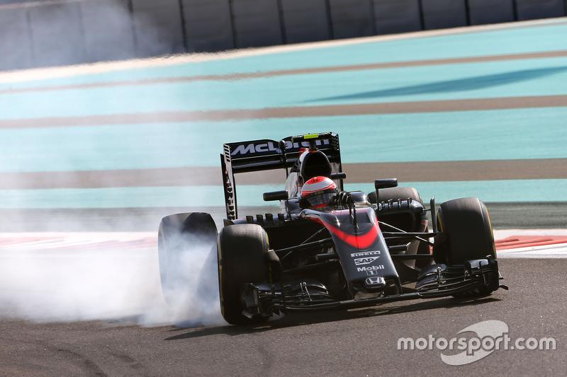 2015 - McLaren MP4-30: 16º lugar no Mundial de Pilotos, com 16 pontos