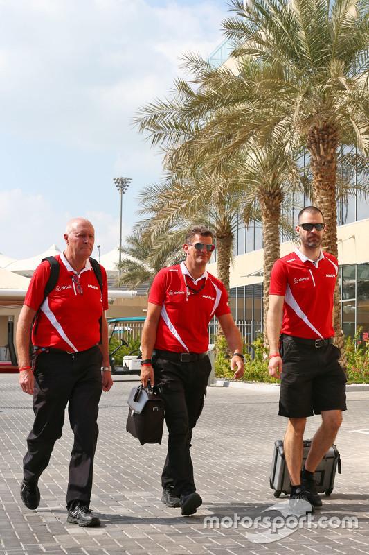 John Booth, Manor Marussia F1 Team teambaas met Graeme Lowdon, Manor Marussia F1 Team CEO en Marc Hynes, Manor Marussia F1 Team coach