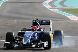 Фелипе Наср, Sauber C34 блокирует колеса на торможении
