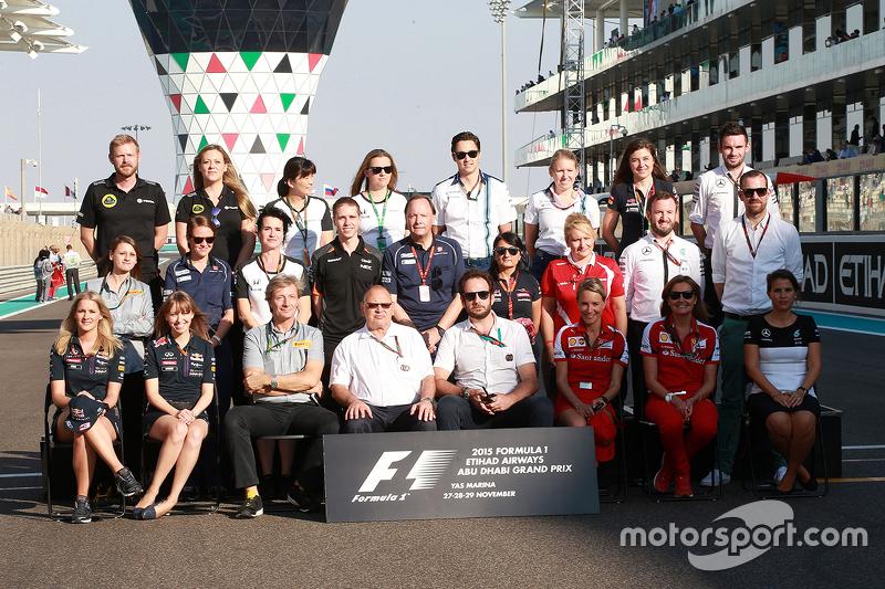 Foto de grupo de Final de temporada  de los oficiales de prensa