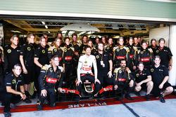 Romain Grosjean, Lotus F1 Team lors d'une photo d'équipe