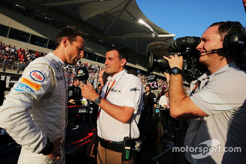 Jenson Button, McLaren, mit Will Buxton, NBC Sports
