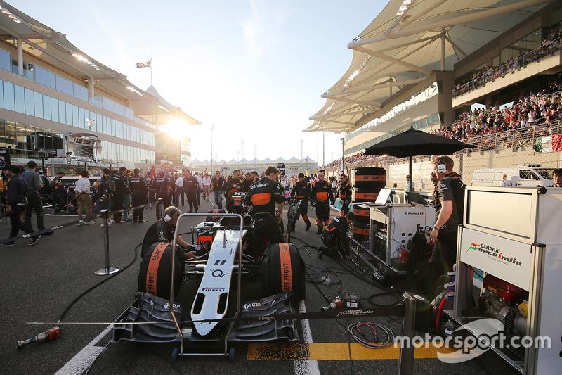 Sahara Force India F1 VJM08 von Sergio Perez, Sahara Force India F1, in der Startaufstellung