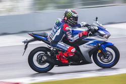 Jorge Lorenzo, Yamaha Fabrika Takımı ve Yamaha YZF-R3