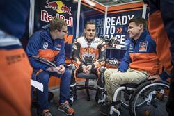 塞巴斯蒂安·里斯、阿历克斯·霍夫曼及KTM赛事总监Pit Beirer