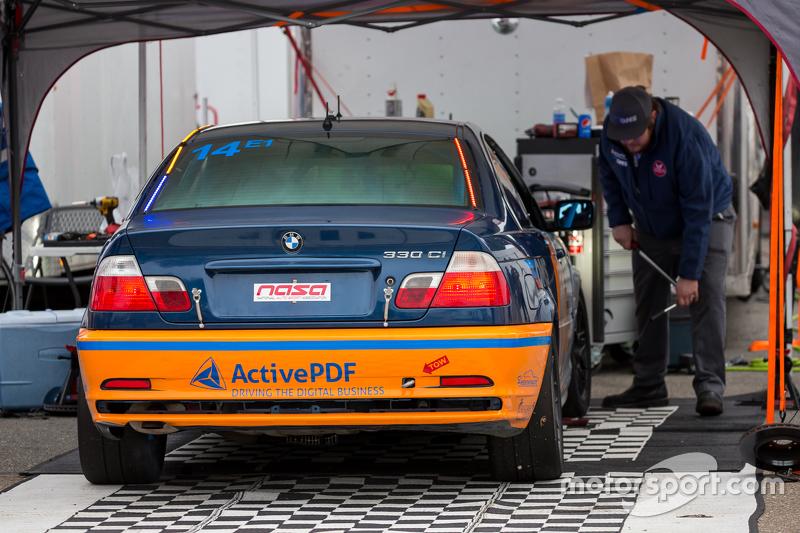 #14 Technik HQ Autosport, BMW 330d: Peter Hopelain, Neil Daly, Will Rodgers, Joey Jordan, Richard Co