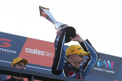 Podium: 2015 V8 Supercars Champion Mark Winterbottom, Prodrive Racing Australia Ford