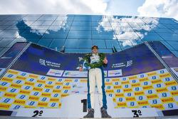 Pedro Piquet celebra vitória em Interlagos