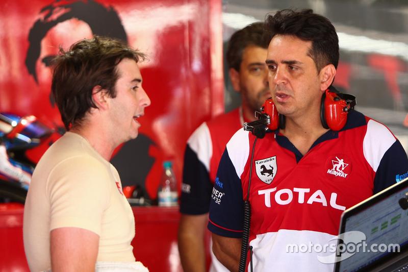 Popó Bueno com o chefe da equipe Beto Cavaleiro