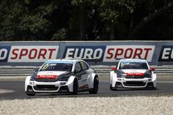 Jose Maria Lopez, Citroën C-Elysee WTCC, Citroën World Touring Car team and Sébastien Loeb, Citroën C-Elysee WTCC, Citroën World Touring Car team