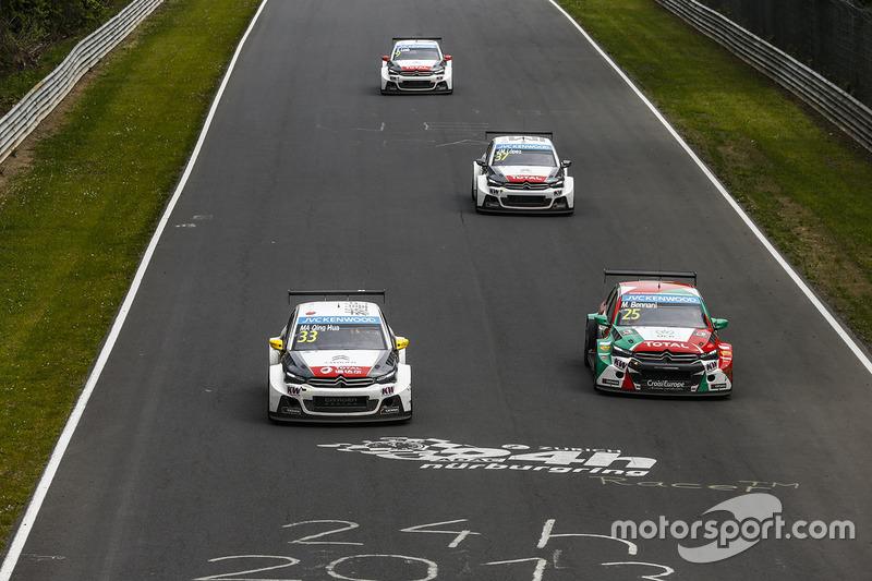 Ма Цин Хуа, Citroën C-Elysée WTCC, Citroën World Touring Car team та Мехді Беннані, Citroën C-Elysee