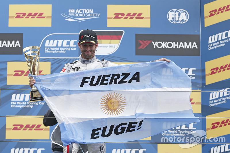 Podium: race winner Jose Maria Lopez, Citroën C-Elysée WTCC, Citroën World Touring Car team