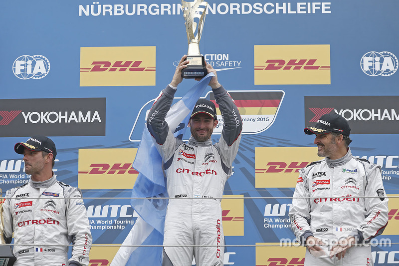 Podium: race winner Jose Maria Lopez, Citroën C-Elysée WTCC, Citroën World Touring Car team, second place Sébastien Loeb, Citroën C-Elysee WTCC, Citroën World Touring Car team, third place Yvan Muller, Citroën C-Elysee WTCC, Citroën World Touring Car team
