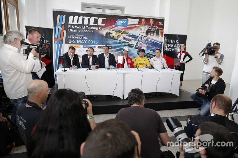 Press conference: François Ribeiro, Eurosport Events Motorsport Director, Jose Maria Lopez, Citroën C-Elysee WTCC, Citroën World Touring Car team, Rob Huff, Lada Sport Rosneft and Jaap van Lagen, Lada Sport Rosneft, Norbert Michelisz, Honda Civic WTCC, Zengo Motorsport