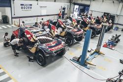 Зона команды Peugeot Sport