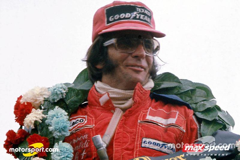 Motorsport.com und Emerson Fittipaldi stiften Awards für die Kartserien von MAXSpeed Entertainment