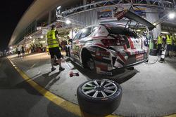 #1 Memac Ogilvy Duel Racing Seat Leon Cup Racer: Phil Quaife, Sami Moutran, Nabil Moutran, Ramzi Moutran