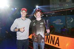 Bruno Senna con un ganador