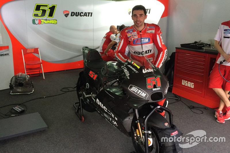 Michele Pirro, Ducati Team, mit der neuen Ducati GP16