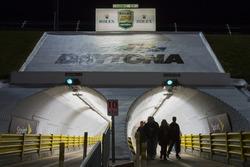 Фанати в тунелі