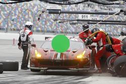 Питстоп Алессандро Пьергвиди, Александр Према, Даниэль Серра и Мемо Рохас, #68 Scuderia Corsa Ferrari 488 GTE