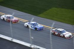 Joey Logano, Team Penske Ford; Elliott Sadler, JR Motorsports Chevrolet; Chase Elliott, JR Motorsports Chevrolet
