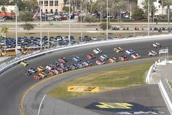 Letzte Runde: Matt Kenseth, Joe Gibbs Racing Toyota berührt die Mauer