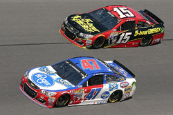 Clint Bowyer, Hscott Motorsports Chevrolet, AJ Allmendinger, JTG Daugherty Racing Chevrolet