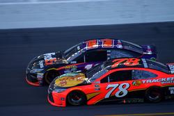 Denny Hamlin, Joe Gibbs Racing Toyota; Martin Truex Jr., Furniture Row Racing Toyota