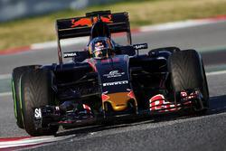 Carlos Sainz Jr (ESP) Scuderia Toro Rosso STR11