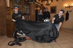John McPhee, Saxoprint RTG und Alexis Masbou, Saxoprint RTG dévoilent leur nouvelle moto