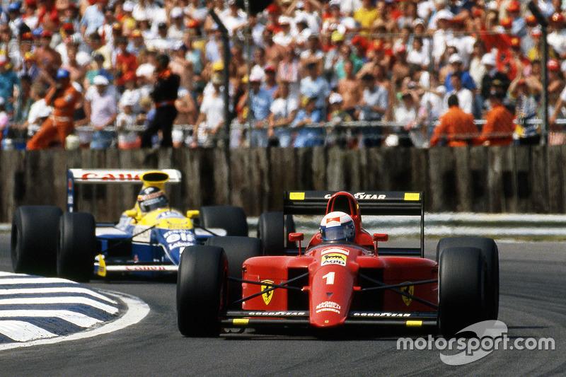 Clark y Prost lideran, con Hamilton al acecho