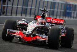 Heikki Kovalainen, McLaren Mercedes on slick tyres