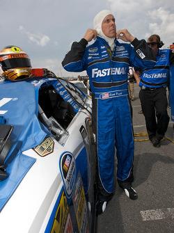Scott Pruett gets ready for his qualifying run