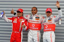 Lewis Hamilton, vainqueur de la pole position, Felipe Massa, deuxième et Heikki Kovalainen, troisième