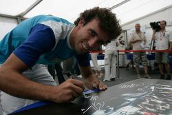 Formula 1 ve GP2 Pilotus unite for solidarity: Alberto Valerio