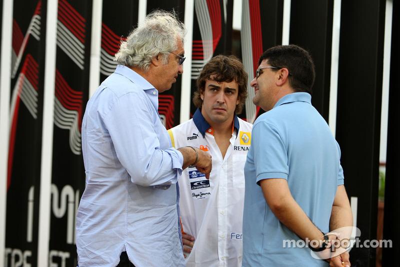Flavio Briatore, Renault F1 Team, Teamchef; Fernando Alonso, Renault F1 Team; Luis Garcia Abad, Manager von Fernando Alonso