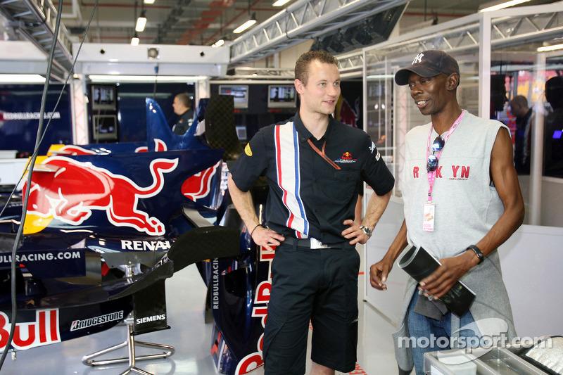 Maxi Jazz von Faithless zu Gast bei Red Bull Racing