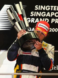 Podium: Sieger Fernando Alonso