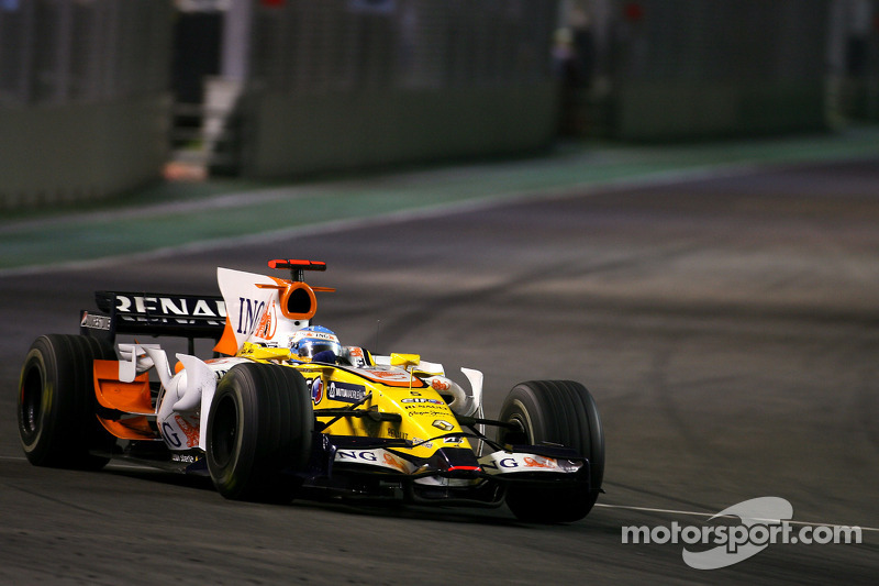 Fernando Alonso war vor der Safety-Car-Phase an der Box, ...