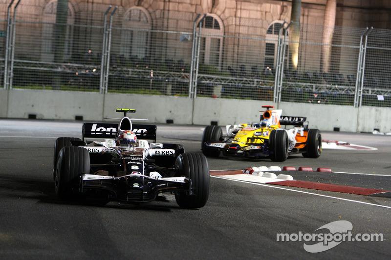 Kazuki Nakajima, Williams F1 Team, FW30; Fernando Alonso, Renault F1 Team, R28