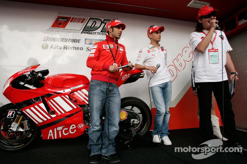 Ducati Desmosedici 2008 - Marco Melandri ve Casey Stoner