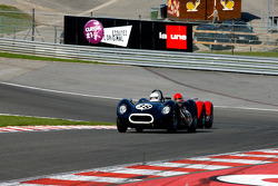 Barry Wood, and Tony Wood, Lister-Jaguar Knobbly; Alan Minshaw, Maserati T61 Birdcage