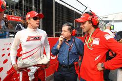 Kimi Raikkonen, Scuderia Ferrari with Jean Todt, Scuderia Ferrari, Ferrari CEO and Luca Baldisserri, Head of Trackside Operations