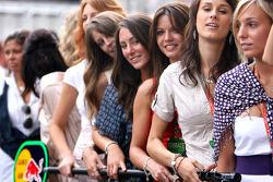 Formula Unas girls contest