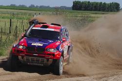 #316 BMW X3 CC: Leonid Novitskiy et Oleg Tyupenkin
