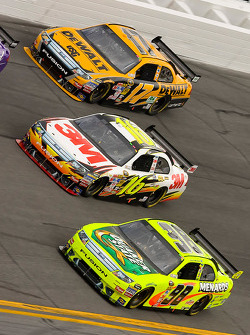 Paul Menard, Yates Racing Ford, Greg Biffle, Roush Fenway Racing Ford, Matt Kenseth, Roush Fenway Racing Ford