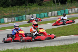 F1 Fun Kart Challenge: Vitantonio Liuzzi leads Edoardo Mortara